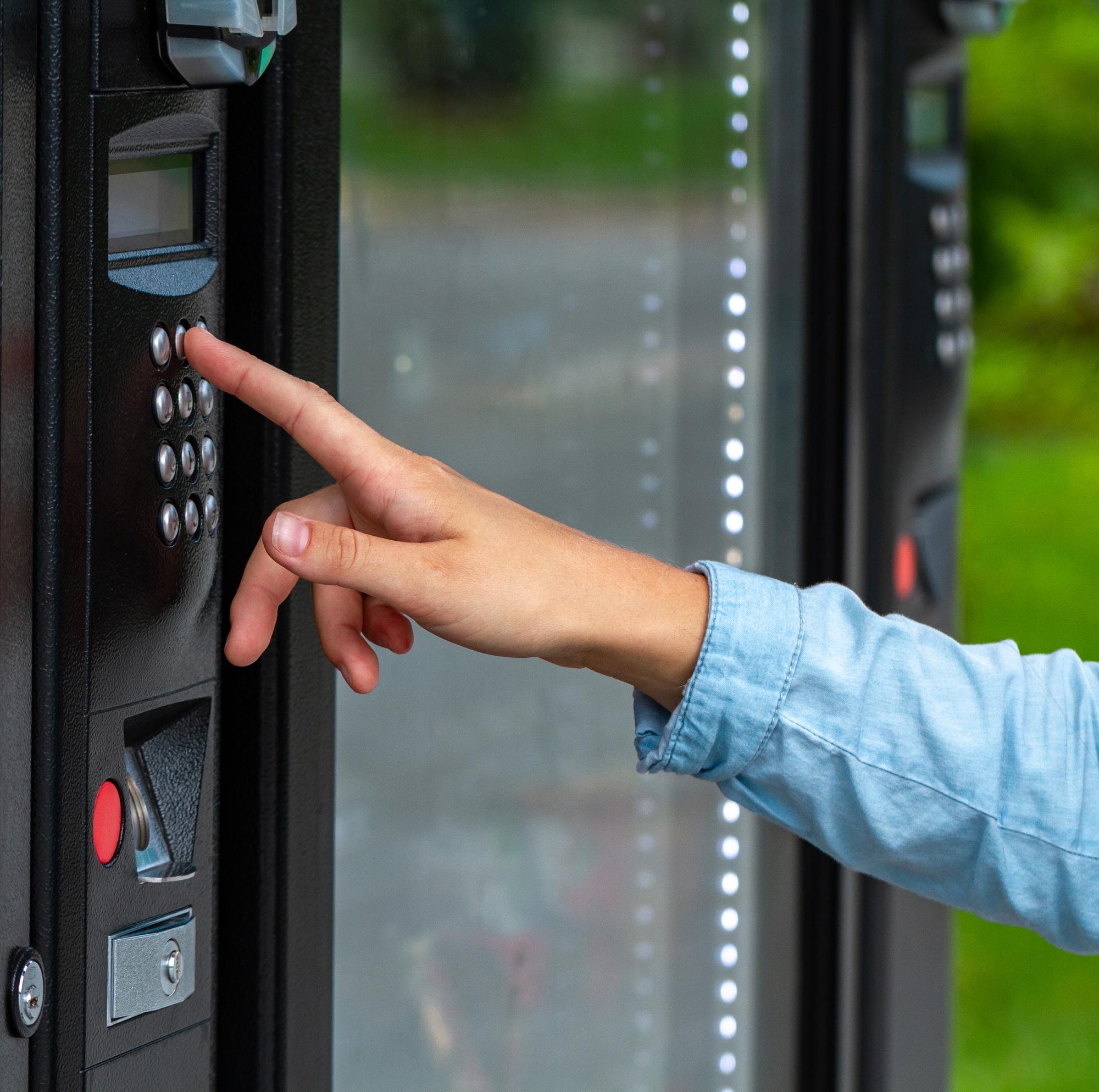 In- en verkoop van alle soorten verkoop automaten.